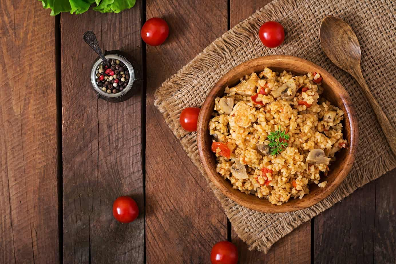 Bulgur with chicken mushrooms and tomatoes